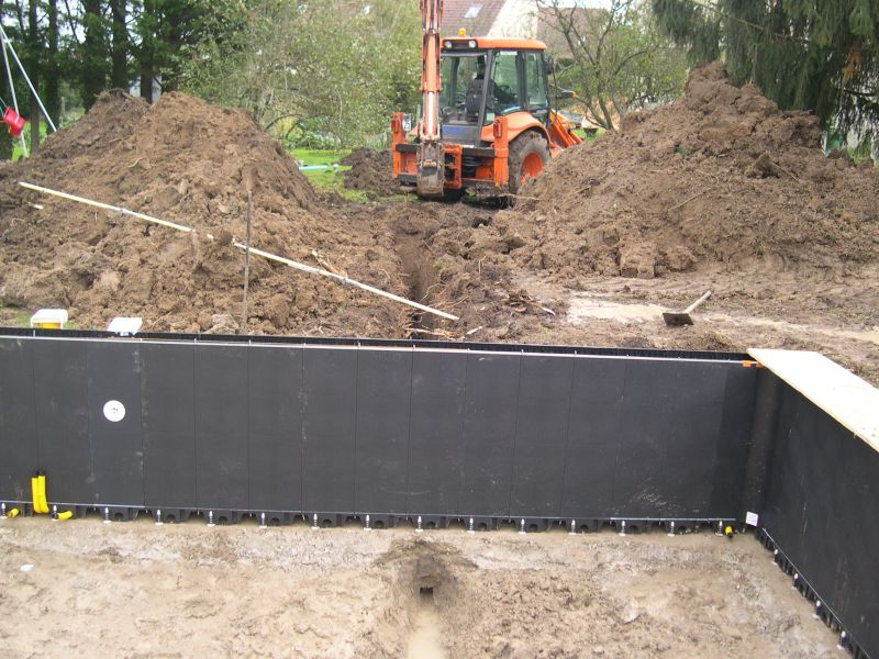 Drain piscine construction piscine magiline 9x for Construction piscine 22