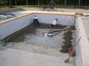 18 05 2011 chape de la piscine construction piscine for Construction piscine 18