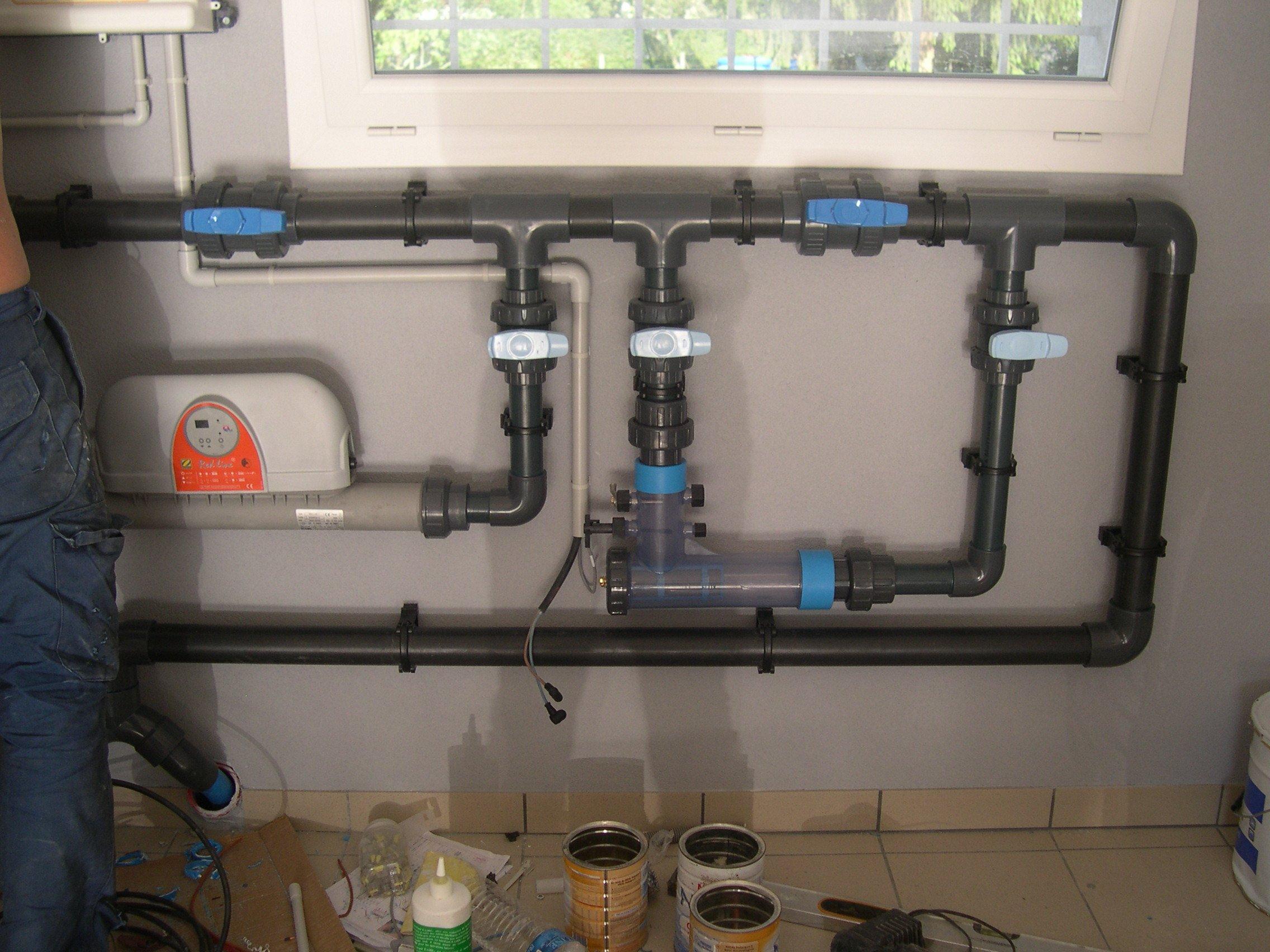 02 et 03 06 2011 fin de l assemblage tuyaux filtration for Branchement local technique piscine