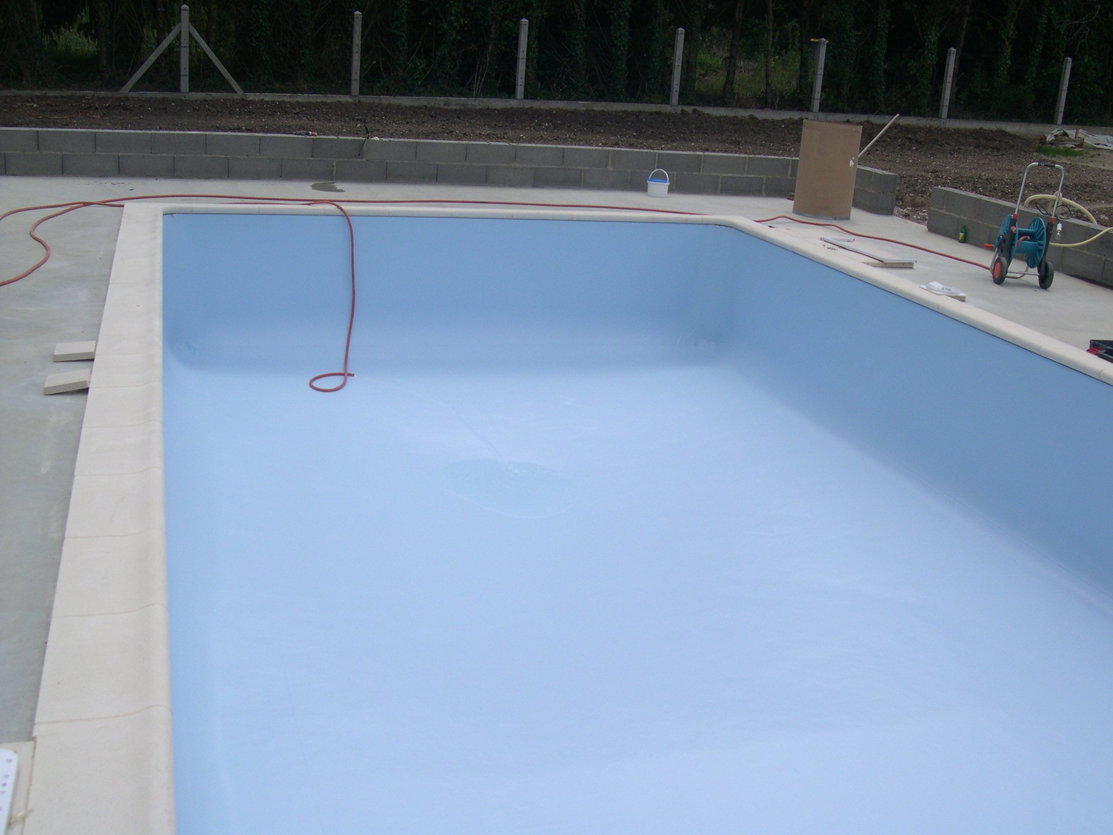 23 apres midi 24 25 et 26 06 2011 remplissage piscine for Construction piscine magiline